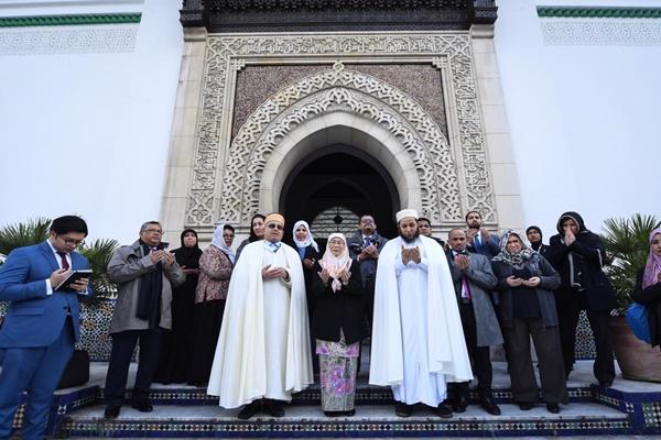 مسجد باريس الكبير يرغب في الحصول على شهادة الحلال الماليزية