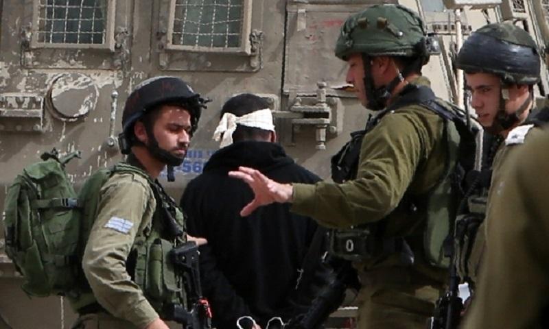 القوات الإسرائيلية تعتقل 11 فلسطينياً من محافظات الضفة الغربية