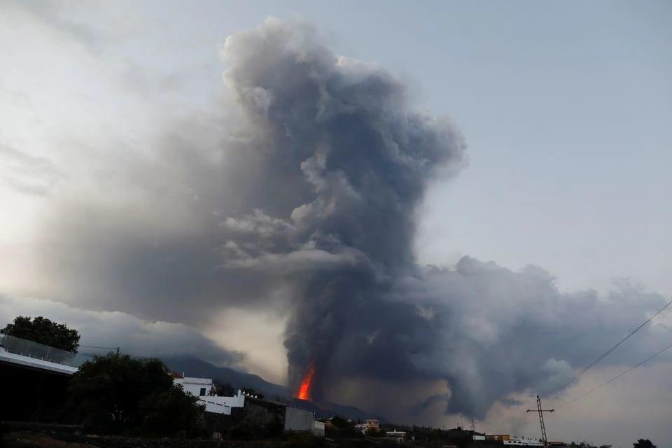 Sulfur Dioxide Cloud From La Palma Volcano Reaches Portugal